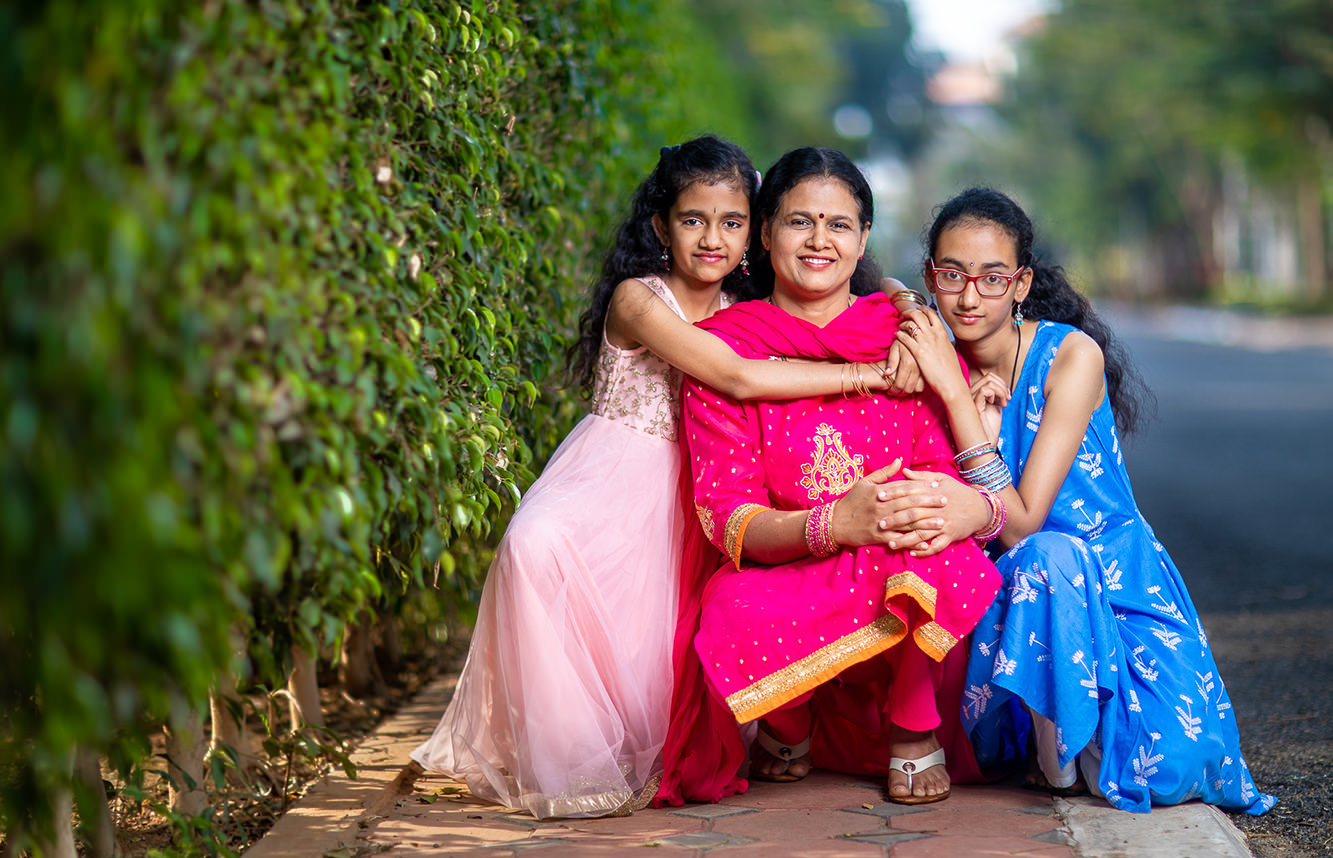 Neeta-Shankar-Photography-Family-Portraits-Mom-and-daughters